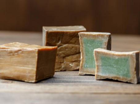 ...Es nuestro amor...JABÓN DE ALEPPO o Aleppo soap ¿POR QUÉ el jabón de Aleppo es un jabón curativo?