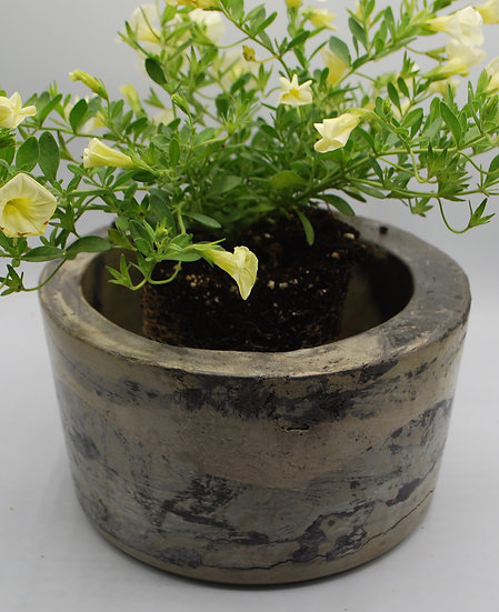 """Old World Planter"" - 1 piece: planter"
