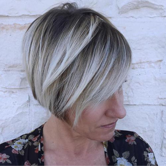 Jaw-length-bob-with-blonde-highlights-hairstyles-for-older-women.jpg