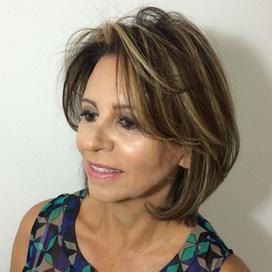 Engaging-2018-medium-haircut-with-bangs-for-thin-hair.jpg