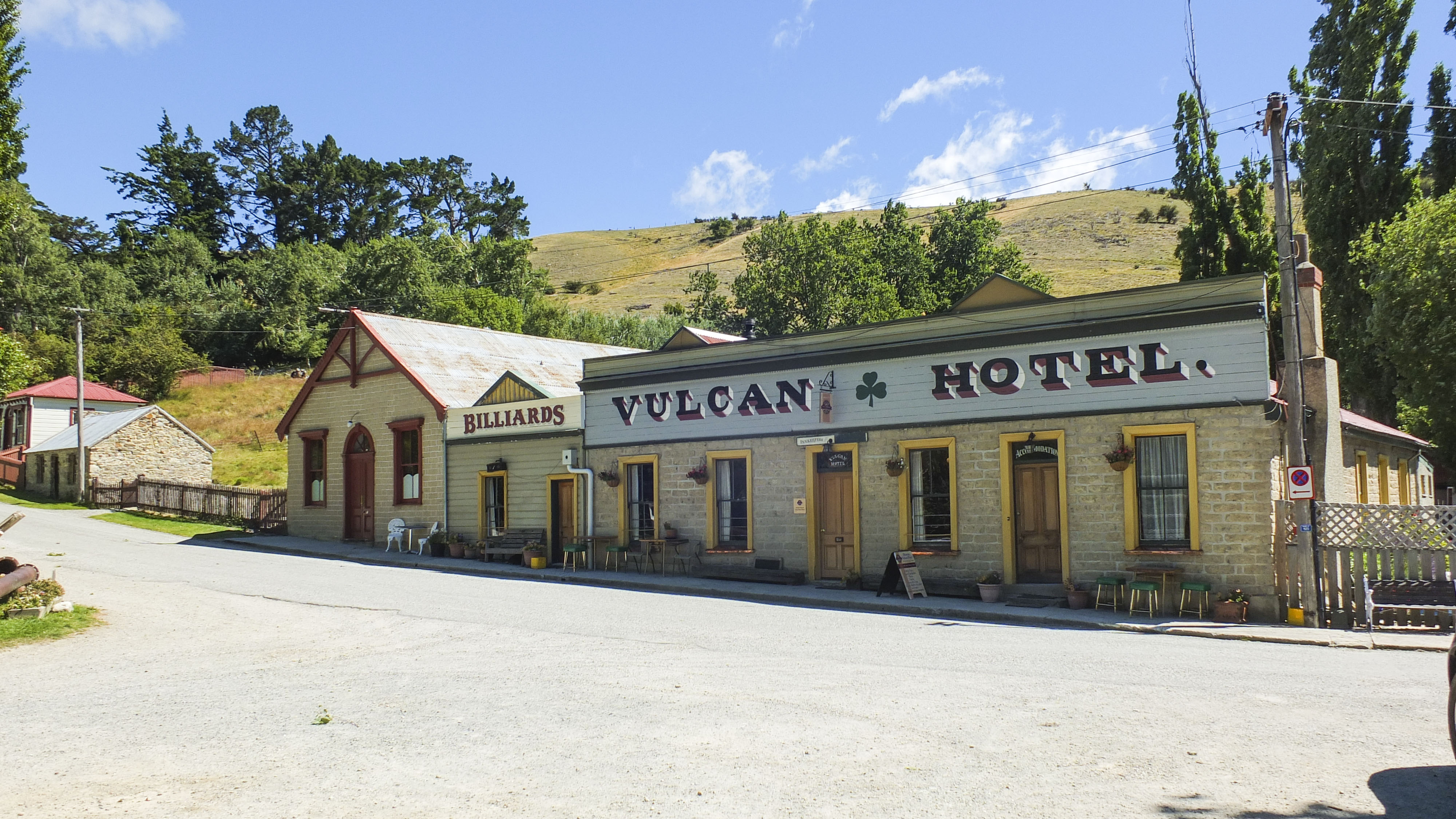 historic-country-vulcan-hotel