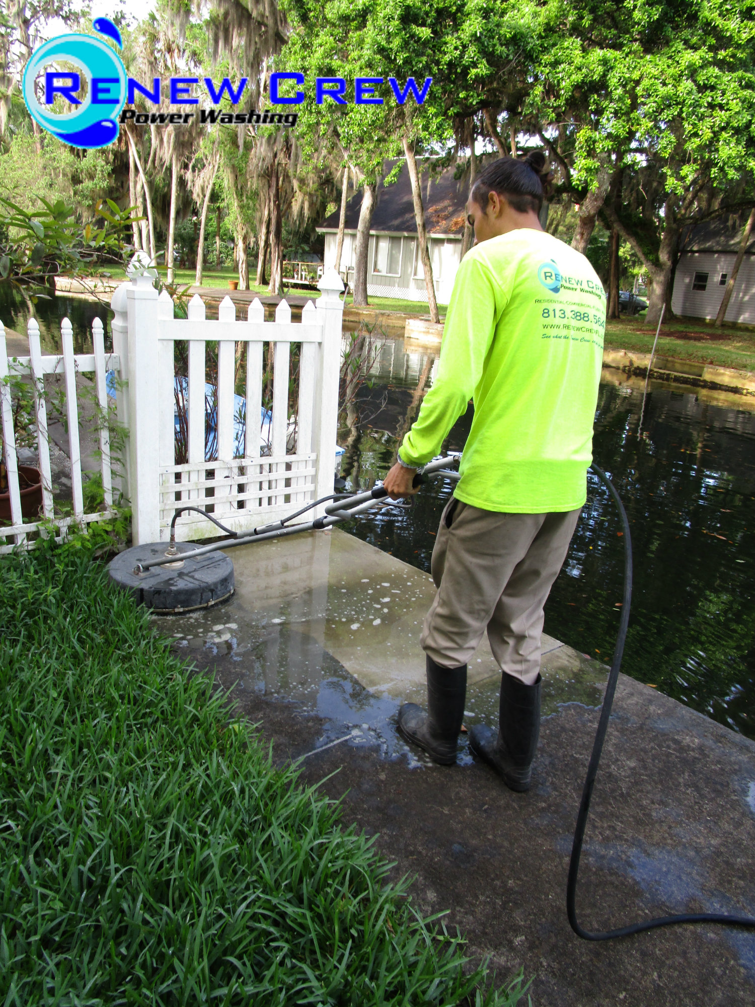 Weeki Wachee Surface Cleaning