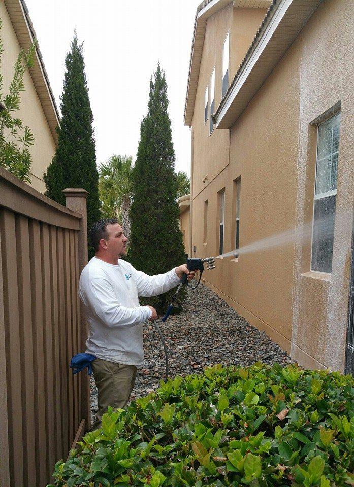 Renew Crew Power Washing - House wash - Land O Lakes FL .jpg