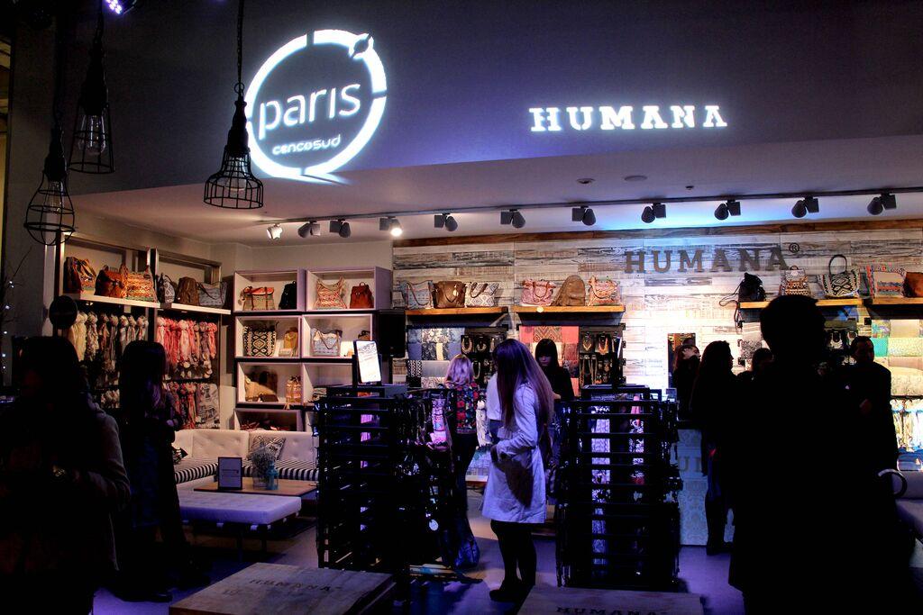 HUMANA EN TIENDAS PARIS