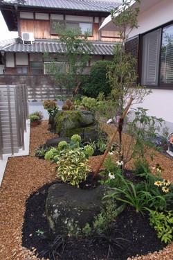 和風の石と似合う植栽をご提案
