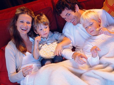 16 družinam prijaznih filmov, ki nas navdihnejo za pustolovščine in potovanja