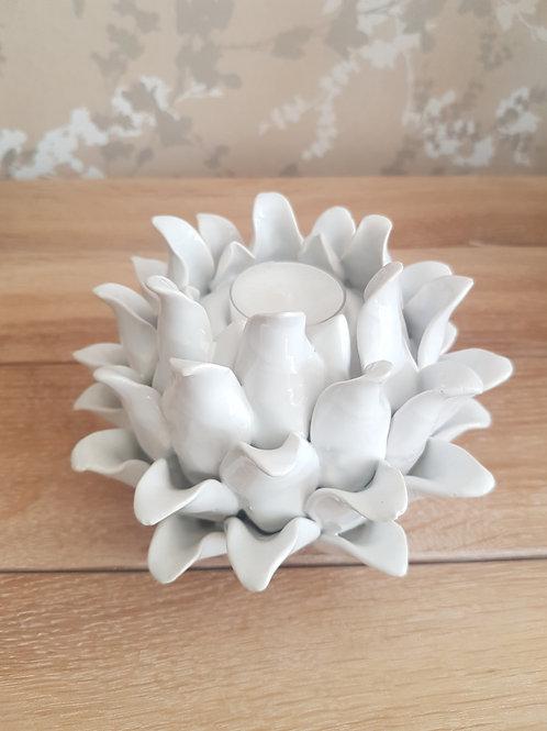 White flower tea light holder