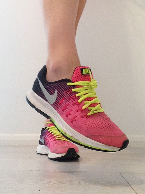SWEATY SMELLY TRASHED RUNNING TRAINERS SK0632