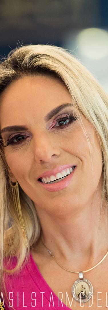 Desfile na @coliseujoalheria Câncer de Mama - Se prevenir da doença e cuidar da sua saúde é fundamental #setoca #cancerdemama #joalheriacoliseu #brasilstarmodel #portoalegre #vagnercarvalho Data: 15/10/2019 Horário: 14 hs End: Rua dos Andradas 1593 - Joalheria Coliseu Apoio: @oboticario @claupinkhair @sexyluxuriaoficial @brasilstarmodel @vagnercarvalho_oficial @studiovagnercarvalho @coliseujoalheria #brasilstarmodel