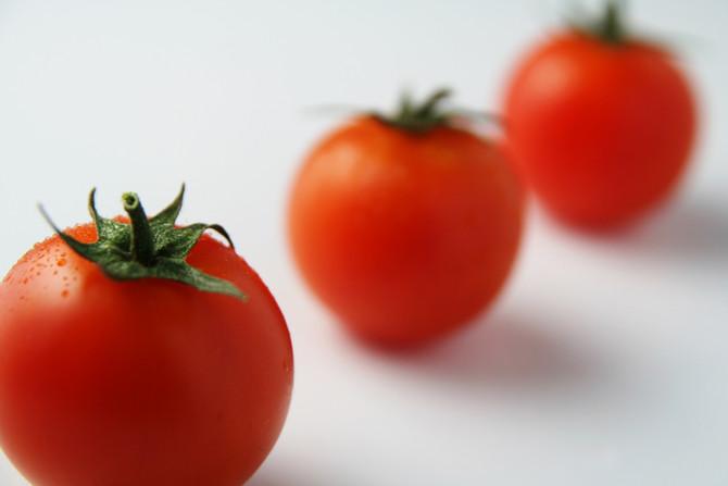 Oeuf cocotte en tomate au pesto de menthe