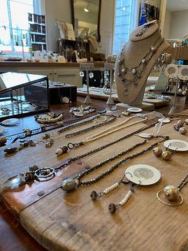 store jewelry photo