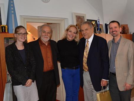 Prof. Stanislav Grof a zástupci opavského centra Holos se setkali s Dagmar Havlovou