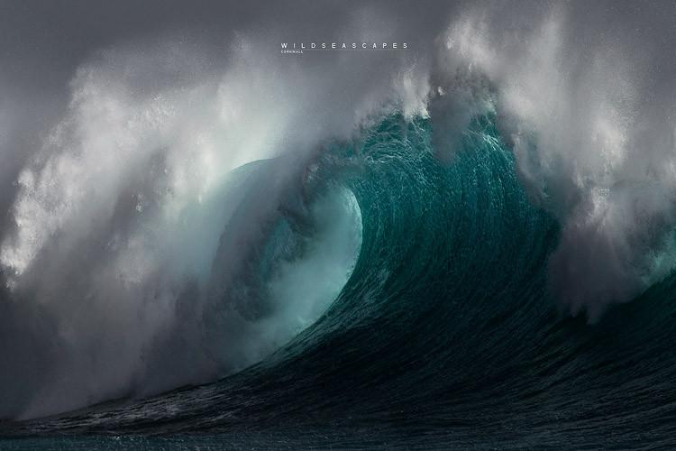 Wave Photography Cornwall. Seascape Photography UK