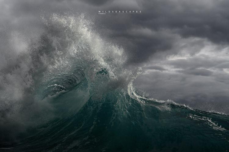 Wave photogrpaher Cornwall UK