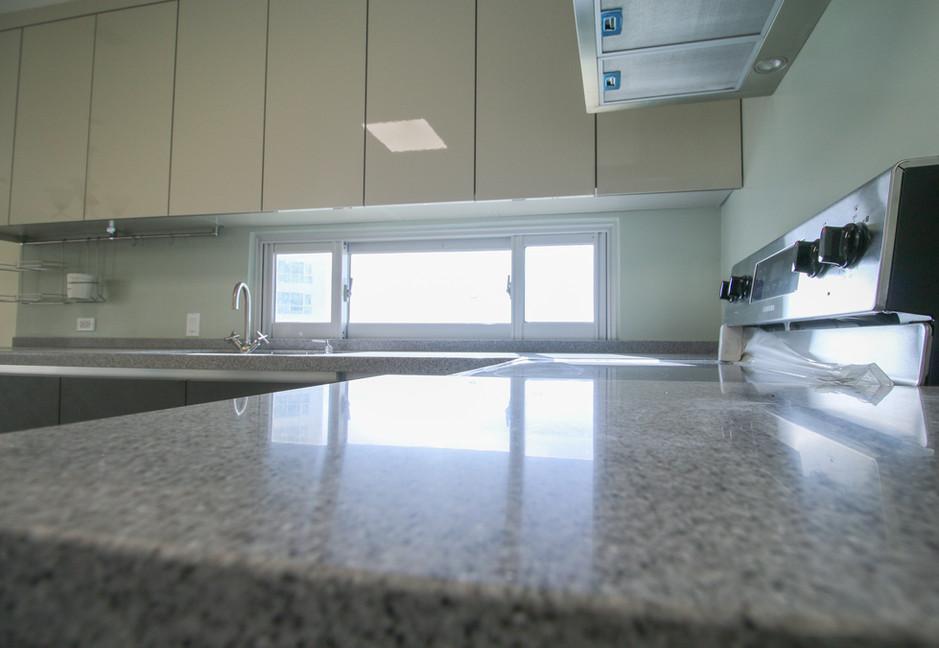 Summer Towers 2 3-Bedroom Kitchen-0553.j