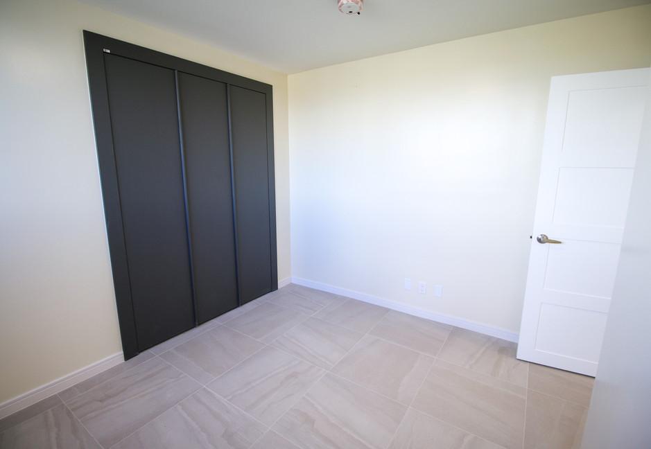Summer Towers 2 3-Bedroom Bedroom 2-0189