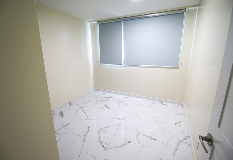 Summer Towers 2 4-Bedroom Bedroom 2-0455