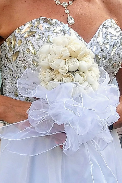 Seashell Bridal Bouquet with White Seashell Roses