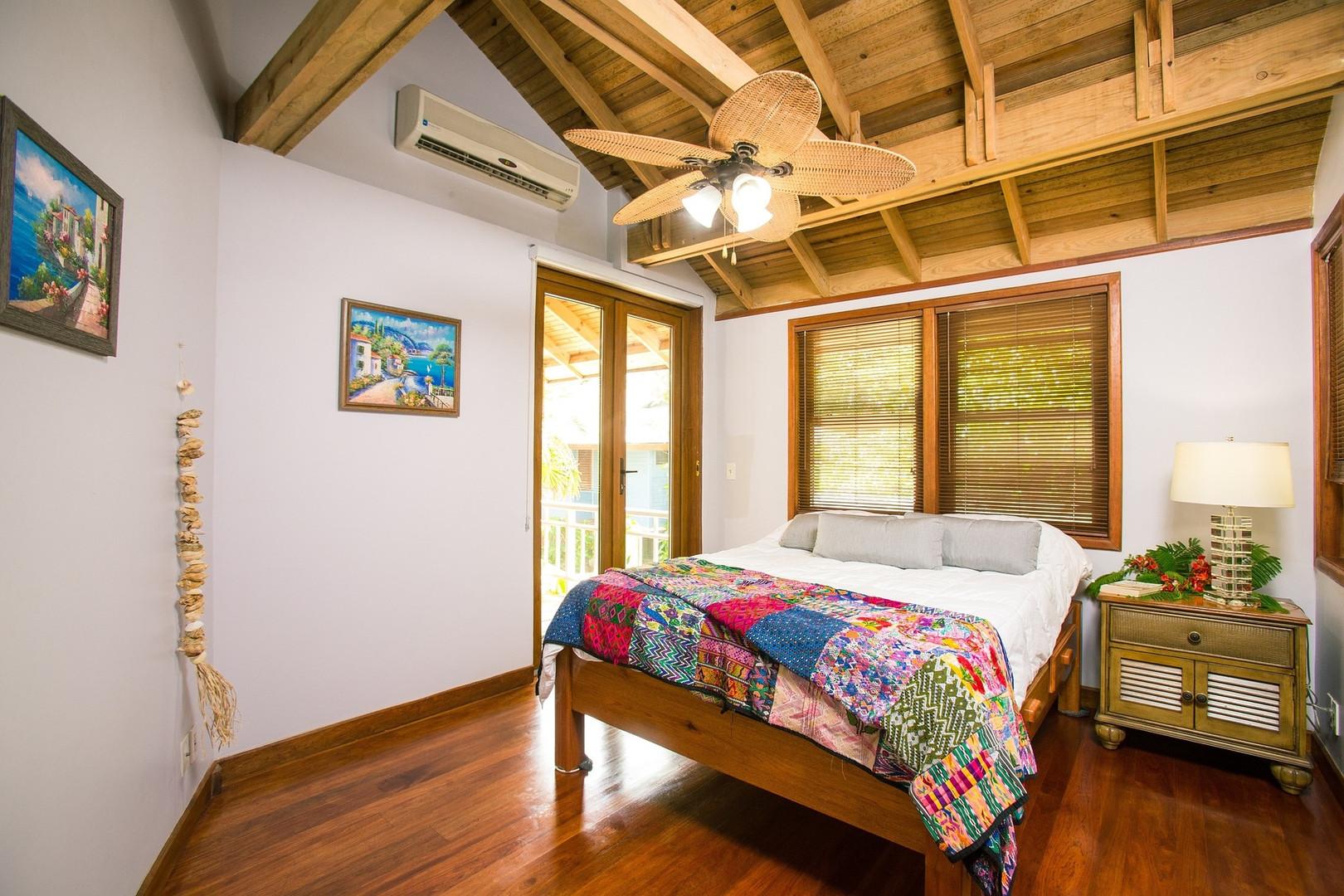 beach-house-1505461_1920.jpg