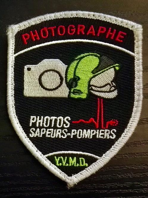 Ancien badge Y.V.M.D. en tissu