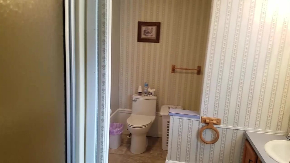 Master Bedroom Bath.mp4