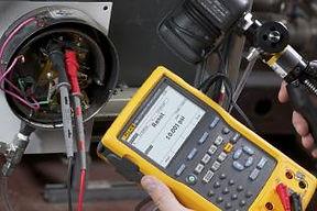 Fluke multifunction calibrator