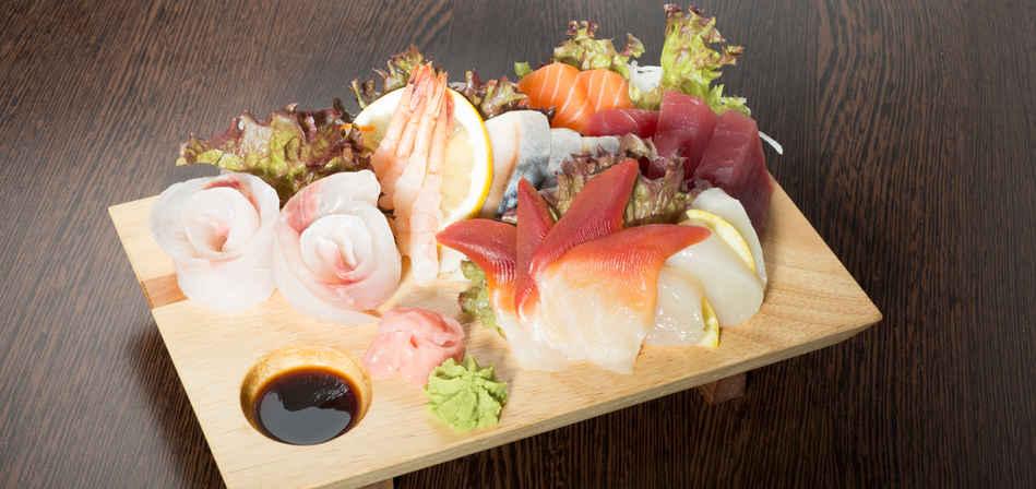 sashimi moriawase.jpg