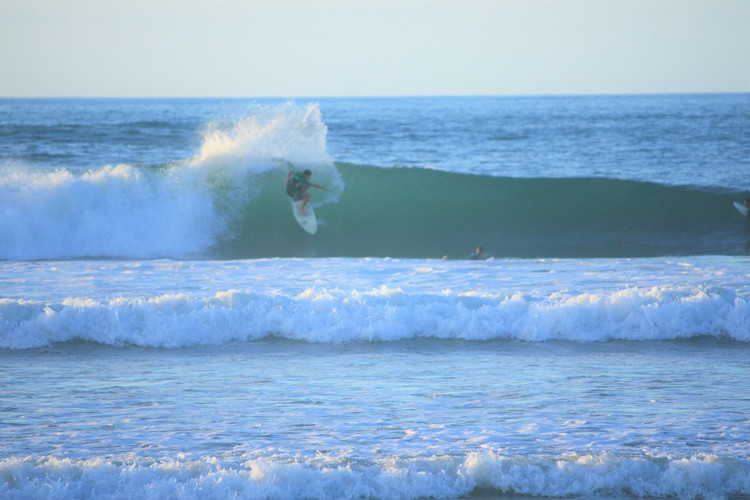 Guiding to the best and uncrowded waves of the region with our surf guiding pack