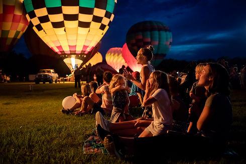 Garett_Fisbeck_-_Balloon_Festival2_-_PC19.jpg