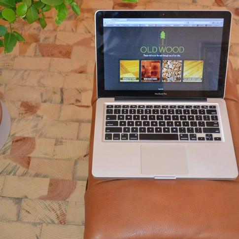 Dancers-floor-w_-laptop.jpg