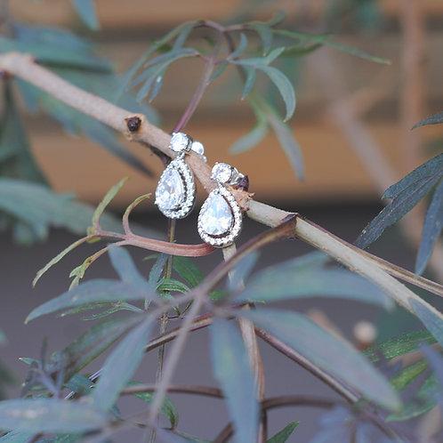 Beth Drop Earrings