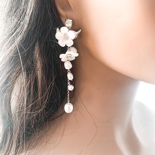 Eve Floral Drop Earrings