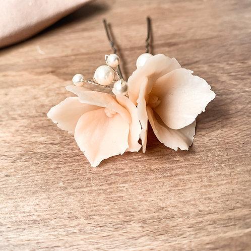 Lucia Floral Hair Pin - Dusky Peach