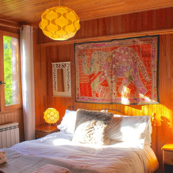 Sunny west facing double bedroom
