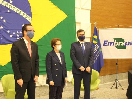 Embrapa e Apex-Brasil assinam acordos de cooperação para aumentar competitividade do agro nacional