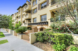 5037 Rosewood Ave. #102, Los Angeles