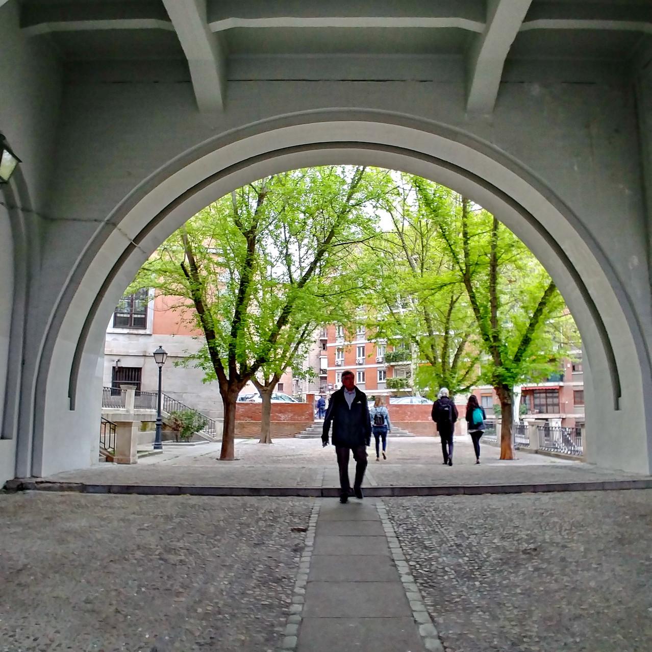 Bajo el Viaducto
