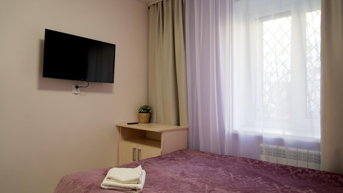 Отель Молодёжная 72