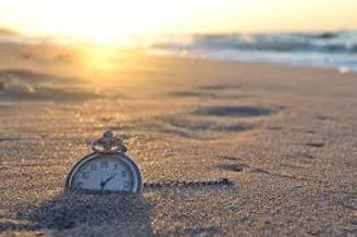 Beach clock.jpg