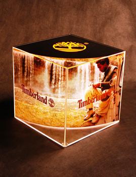 Display Cubo Iluminado