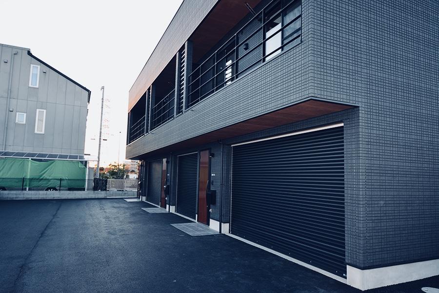 ガレージ付アパ-メント外観-6