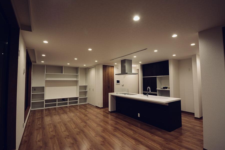 I様邸 キッチン-居室3