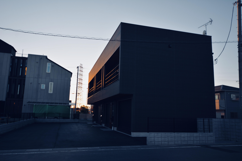 ガレージ付アパ-メント外観-3