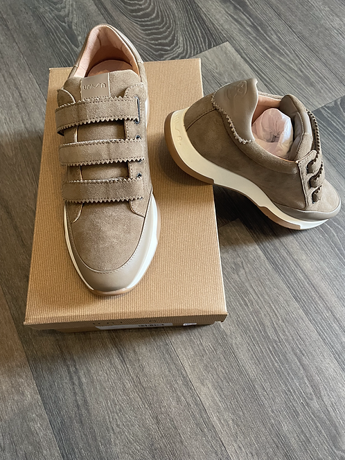 Unisa - Falcer Trainer - Taupe Kid Suede