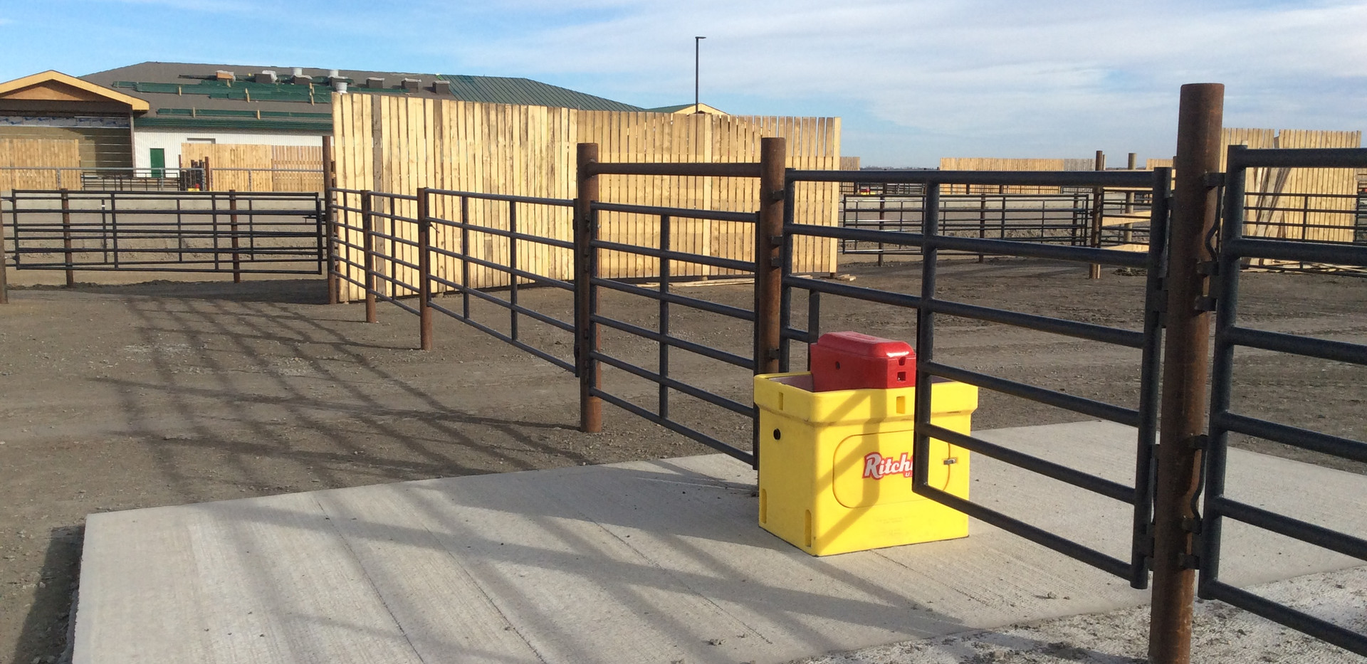 steel fence with waterer.JPG