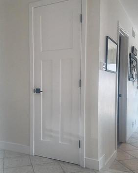 Craftsman 3-panel interior door