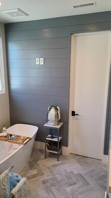 Shiplap bathroom in dark grey