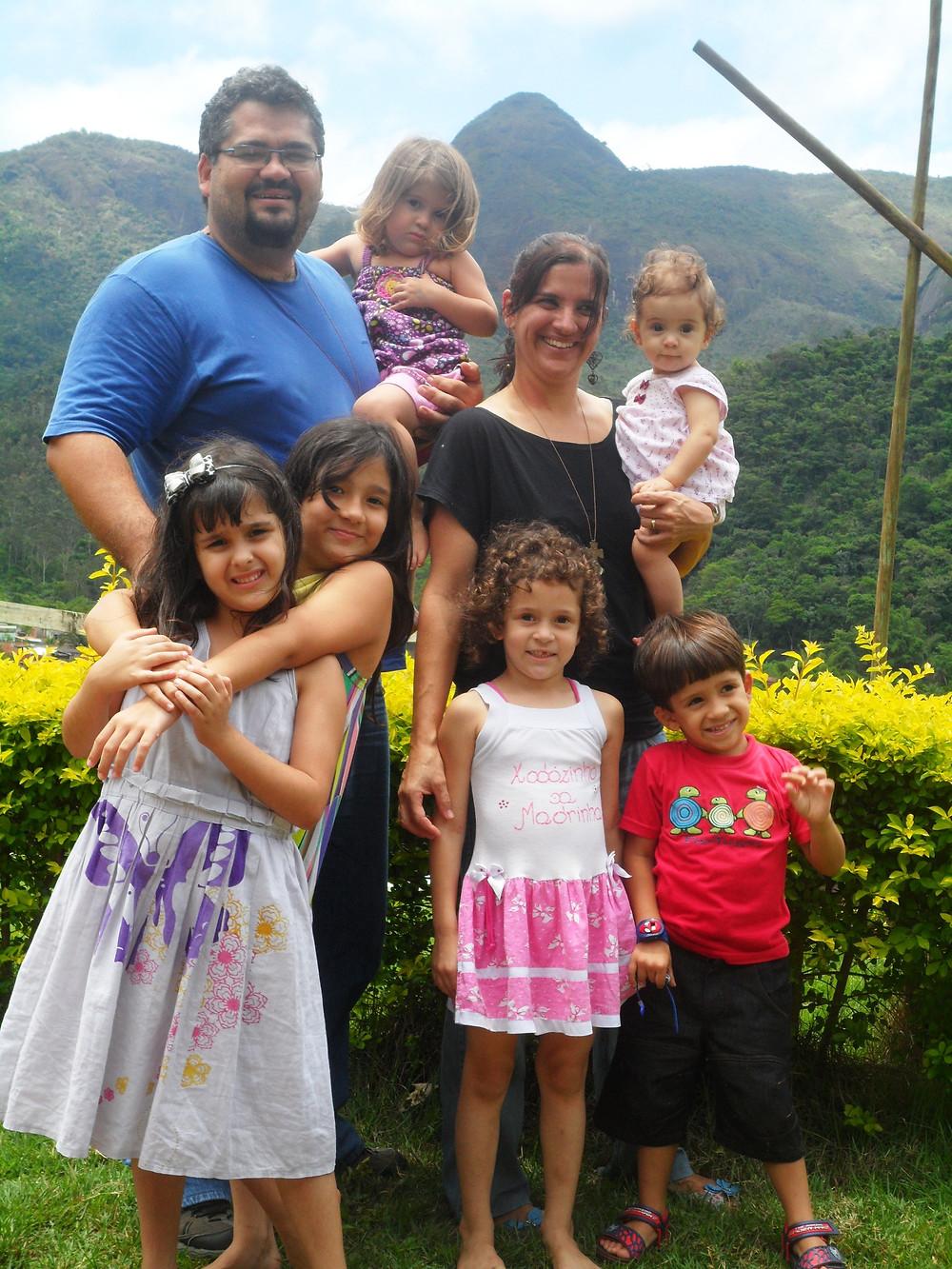 Família Emerick (Fernando e Kelly e seus filhos)