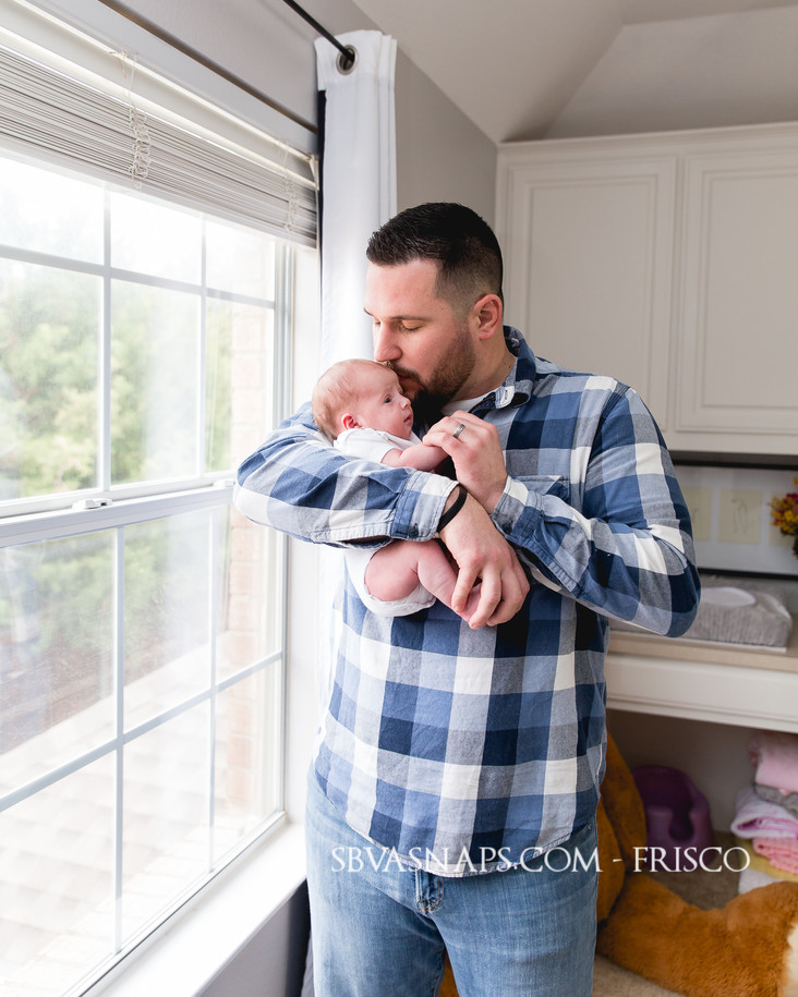 2 photo sessions to remember your newborn   Frisco lifestyle photography