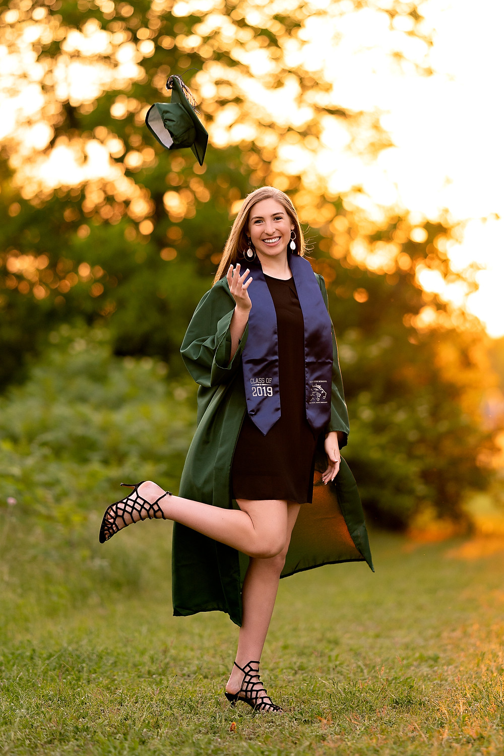 cap and gown senior photos